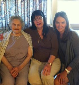 Beautiful ladies all: Baba Boja (l), Nada Stojadinovic (r) and Nada's mom (center)